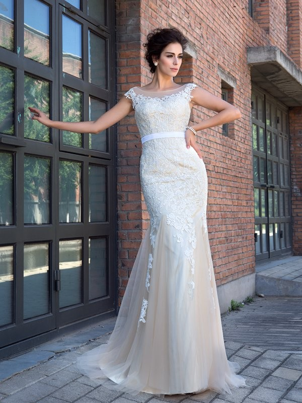 Trumpet/Mermaid Sheer Neck Applique Short Sleeves Long Net Dresses