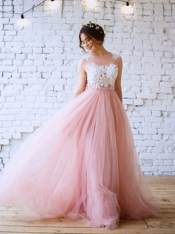 A-Line/Princess Sweep/Brush Train Bateau Tulle Applique Sleeveless Dresses