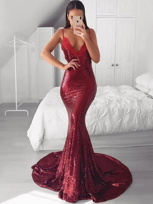 Sleeveless Trumpet/Mermaid Applique Sequins Sweep/Brush Train V-neck Dresses