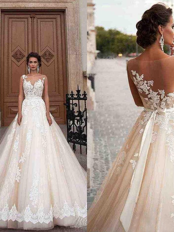 A-Line/Princess Court Train Scoop Sleeveless Tulle Applique Wedding Dresses