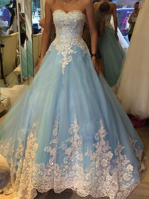 Ball Gown Sweetheart Sleeveless With Applique Tulle Sweep/Brush Train Dresses