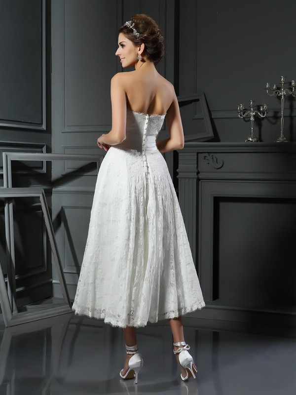 A-Line/Princess Sweetheart Lace Sleeveless Short Lace Wedding Dresses
