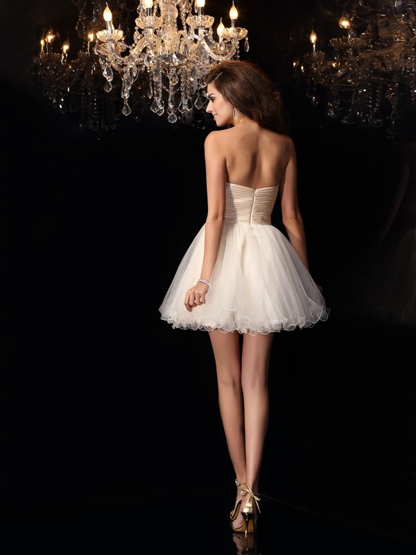A-Line/Princess Sweetheart Beading Sleeveless Short Tulle Cocktail Dresses