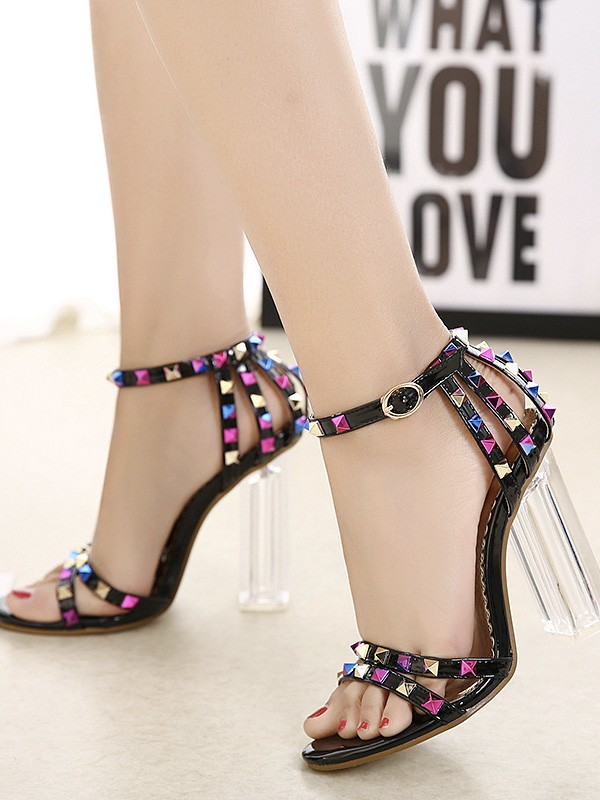 Women's Peep Toe Chunky Heel Patent Leather Sandals With Rivet