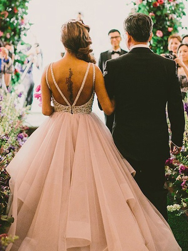 Ball Gown Sleeveless Scoop Floor-Length Tulle Wedding Dresses With Beading
