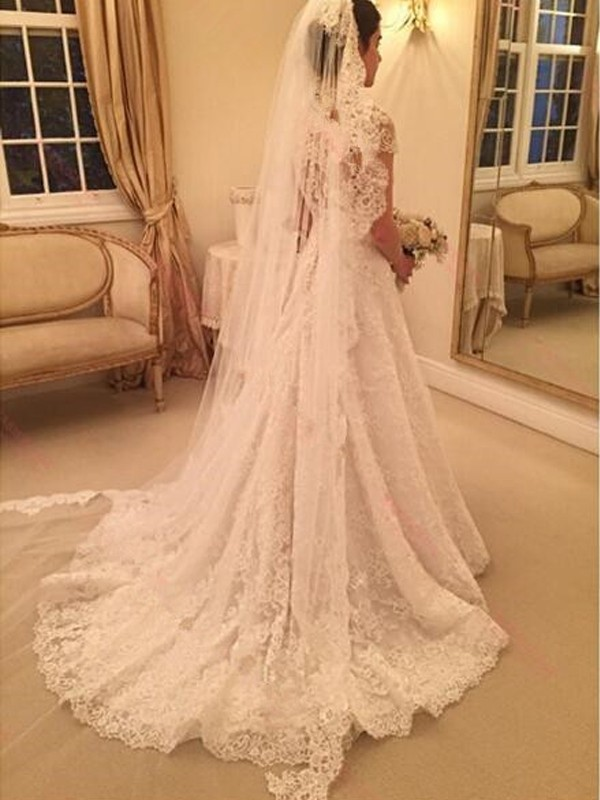 A-Line/Princess Sweetheart Court Train Short Sleeves Lace Wedding Dresses