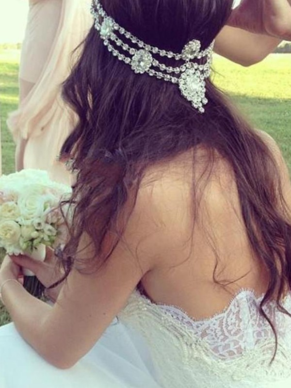 A-Line Sweetheart Sleeveless Tulle Lace Court Train Wedding Dress