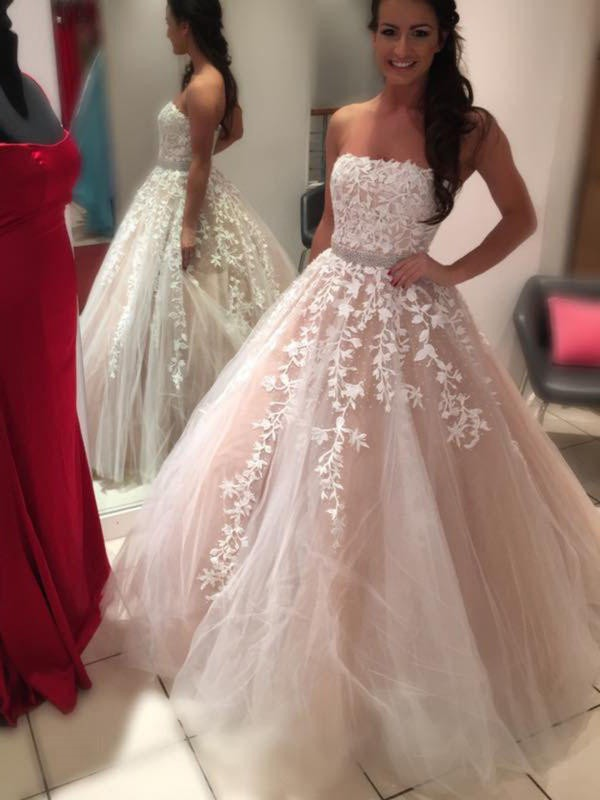 Ball Gown Strapless Sleeveless Court Train Tulle Wedding Gowns